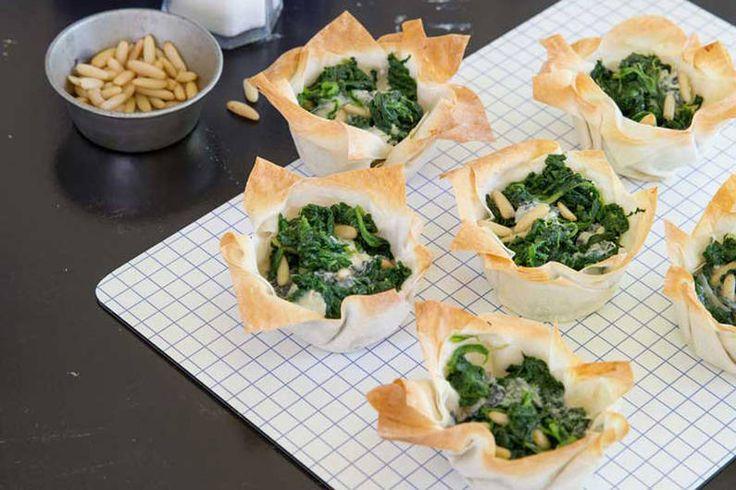 Das Rezept für Yufka-Törtchen mit Spinat mit allen nötigen Zutaten und der einfachsten Zubereitung - gesund kochen mit FIT FOR FUN