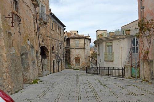 # Rocca #Calascio #Abruzzes #Italie #Immobilier #immobiliarecaserio.com #resources.immobiliarecaserio.com