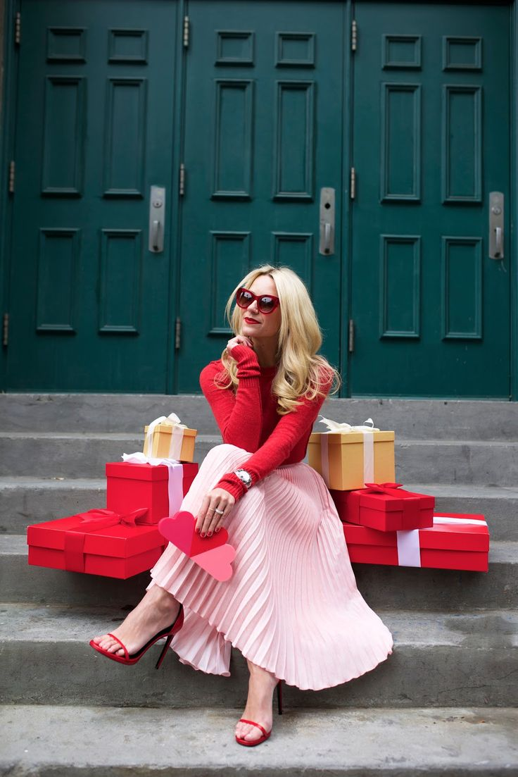 Red + Pink // Atlantic-Pacific: unwrap the holidays //