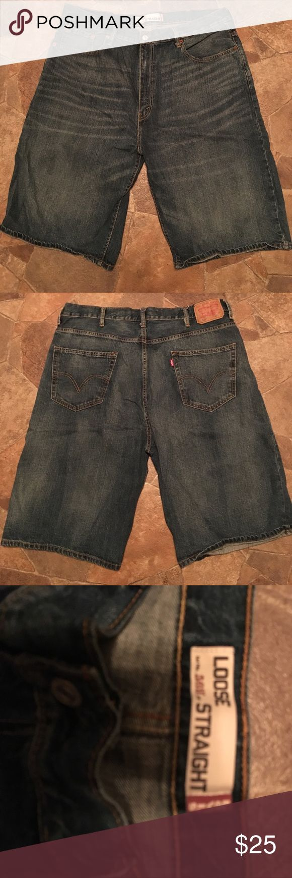 """Levi's 569 Shorts Men's sz 40 Levi's 569 Loose Straight Denim Jean Shorts. Inseam measures 11.5"""". Great preowned condition. Any questions please ask. Thank You 😊 Levi's Shorts Jean Shorts"""