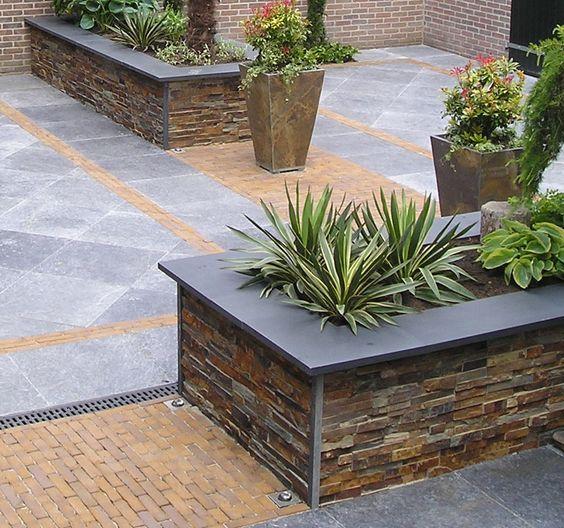 Jardineras para patios exteriores