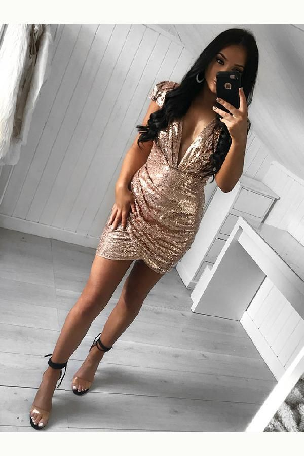 Cheap Feminine V-Neck Homecoming Dress Sheath Deep V-Neck Cap Sleeves Short Gold Sequined Homecoming Cocktail Dress With Ruched