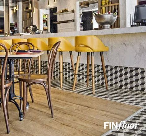 Finfloor Black Forest Laminate Flooring - Colour Oakwood Manor