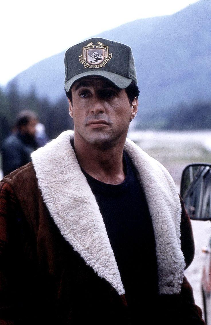 "sylvester stallone photos   ... Filme ""Cliffhanger"" Gabe Walker (Sylvester Stallone) View full size"