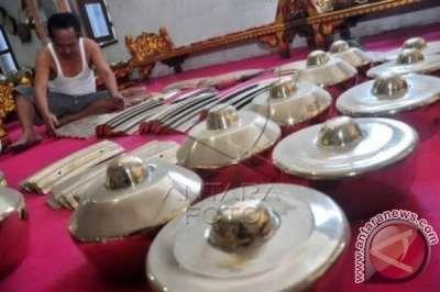 Empat Musisi Tradisional Indonesia Berkolaborasi Dengan Musisi India Dan Inggris