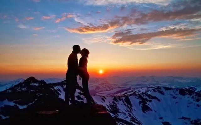 """Kata Mutiara Cinta Romantis dari Mario Teguh -     """"Cinta itu sederhana, jika engkau tidak mampu membuatnya tertawa, cukuplah untuk membuatnya tidak terluka karena engkau."""""""