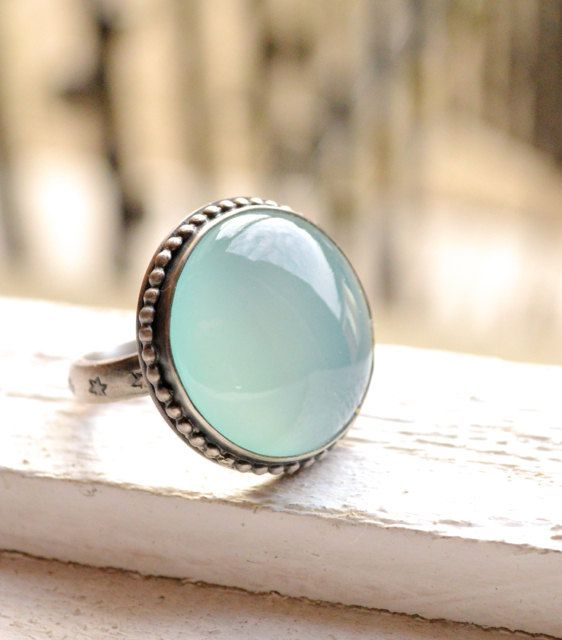 Anillo Calcedonia Aqua Handcrafted en anillo Cocktail plata