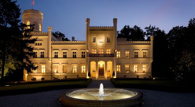 Mierzecin Palace