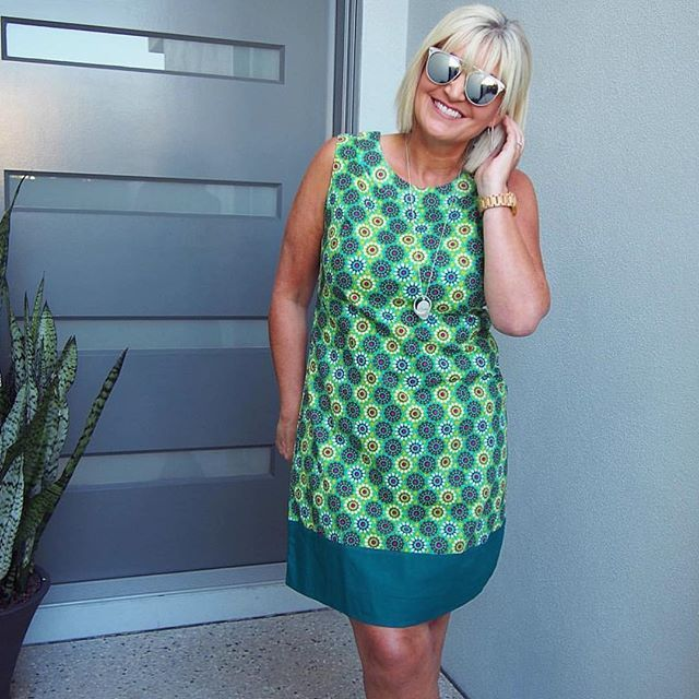 The beautiful @irismaystyle looking super stunning in our Sixties Tunic 😍!! We love this woman 💚