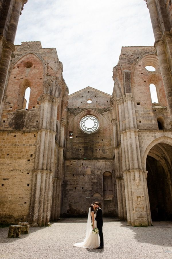 Wedding At Tenuta Di Papena San Galgano Abbey Christina Adam Siena Fun Wedding Photography Tuscan Wedding