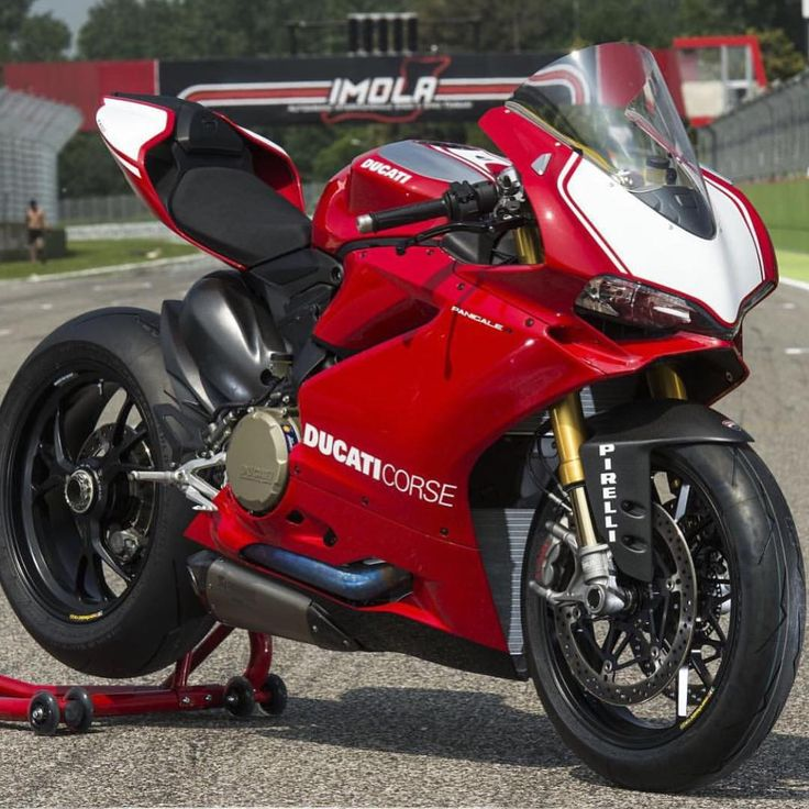 """Motorcycles on Instagram: """"@ducatistagram @ducatistagram ---::::::----- Double TAPP THIS BEAST #dubai #Ducati #cyclelaw"""""""
