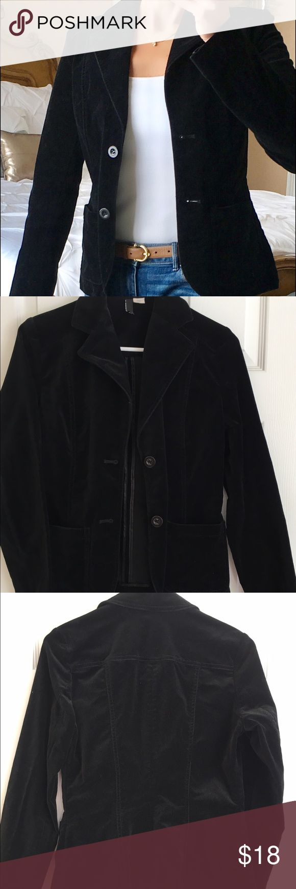 H&M black velvet blazer H&M black velvet blazer.  Size 6, but fits like a size 4. H&M Jackets & Coats Blazers