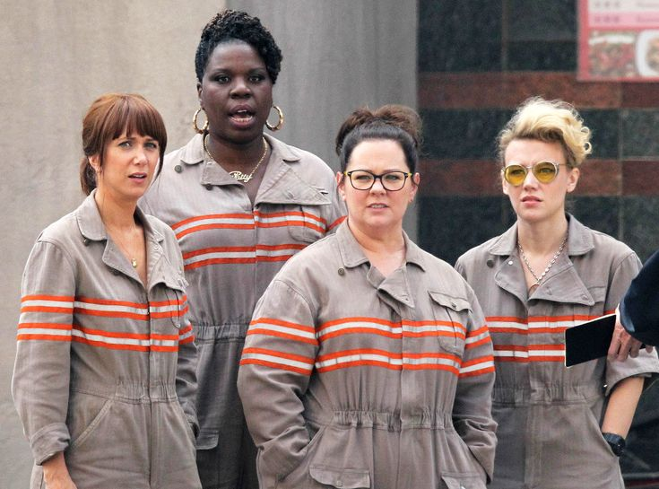 The First Pic Of The Ghostbusters Cast In Uniform Is Here To Make This The Best Friday Ever