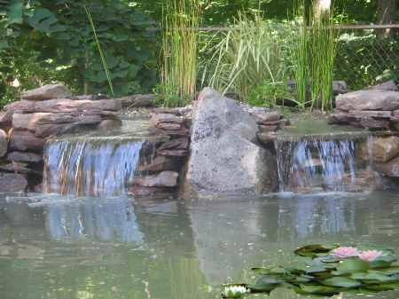 Building waterfall for small pond waterfall building for Pond building supplies