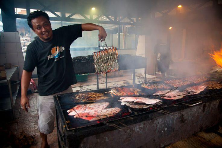 Jas vous raconte son expérience au marché de poissons à #Jimbaran http://buff.ly/1hGCovr #Bali #fishmarket #marché