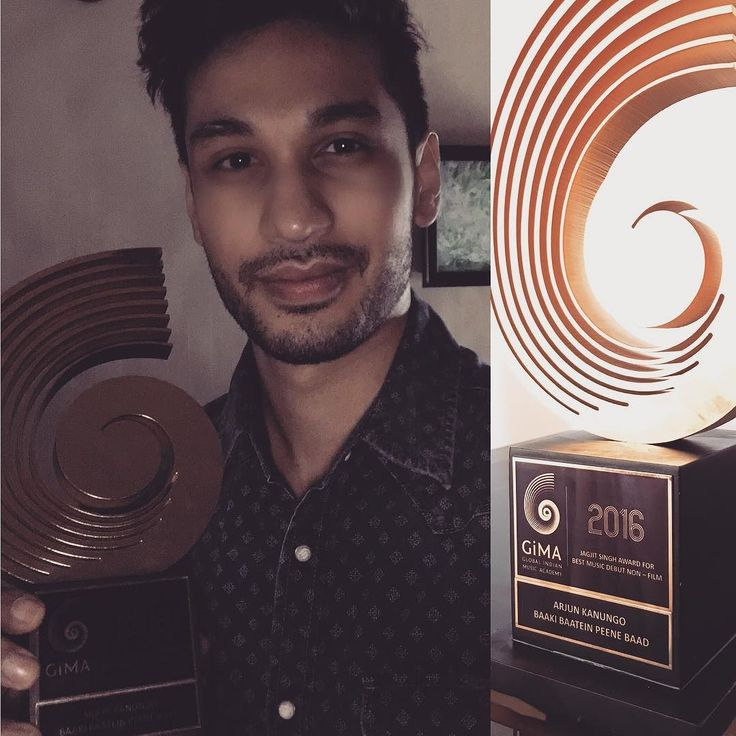 Got super wasted last night and went home with this sexy thing. #baakibaatinpeenebaad gets the award for best debut award in the non film category !!  @badboyshah @carlaruthdennis @mayurpuri @ludlin113 @ypplen woot woot! #gimaawards #gima2016 #gimas by arjunkanungo
