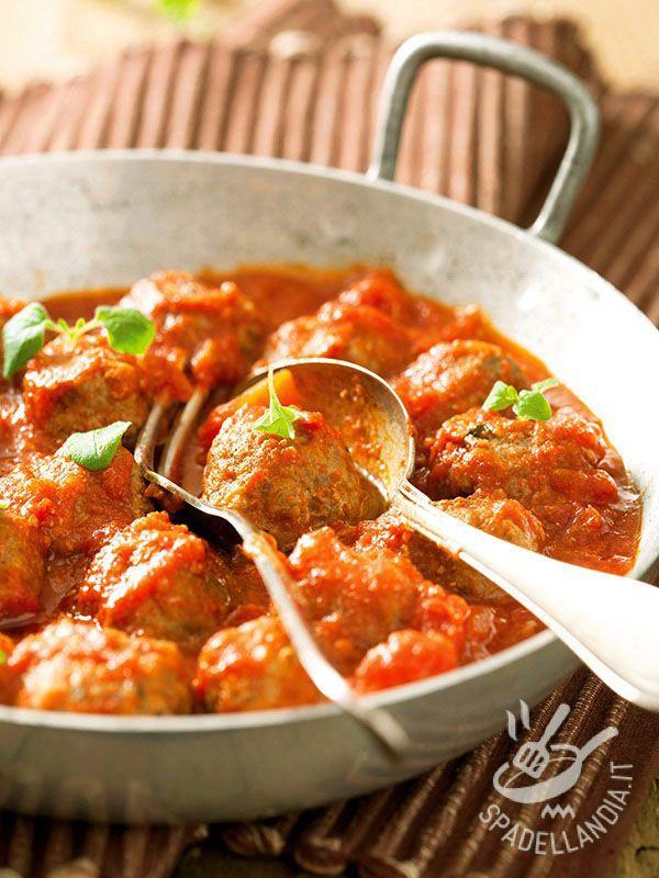 Le Polpettine alla contadina sono un secondo di carne amatissimo anche dai bambini: semplici semplici e veloci, risolvono una cena e fanno tutti contenti!