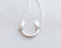 Sterling Zilver hoefijzer ketting met kleine handgemaakte Horseshoe ketting, Lucky Charm Necklace, Gold gevuld, Rose goud gevuld, Olive Yew - 1113