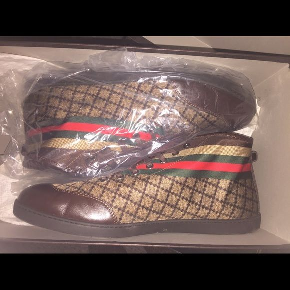 Men's Gucci sneakers size 11 Gucci sneaker worn once Gucci Shoes Sneakers