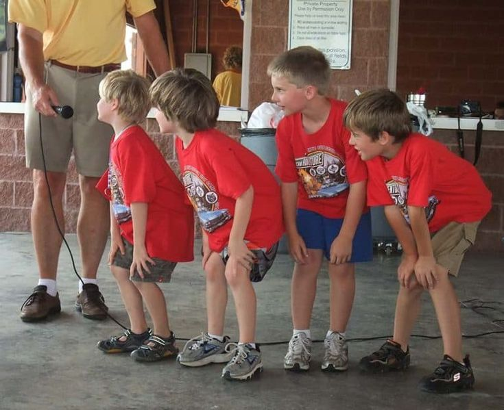 6 Silly and Simple Cub Scout Skits for Campfires  – Cub scouts