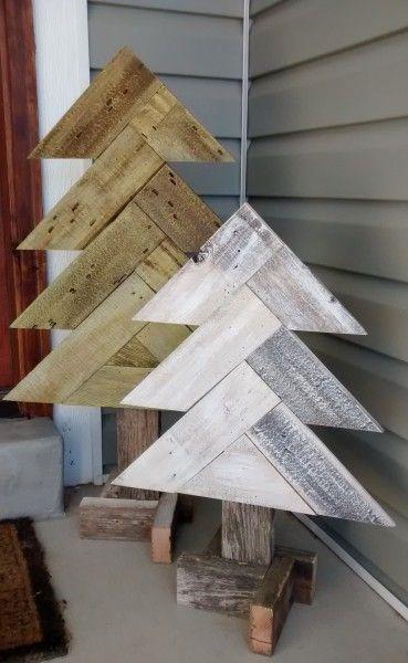 How to Build Rustic Herringbone Wood Christmas Trees | Remodelaholic | Bloglovin'