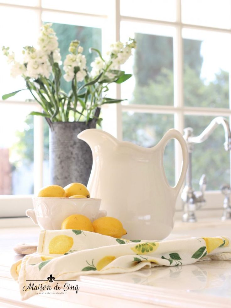 Spring Decorating Ideas: Cheerful & Simple Spring Decorating Ideas For The Kitchen