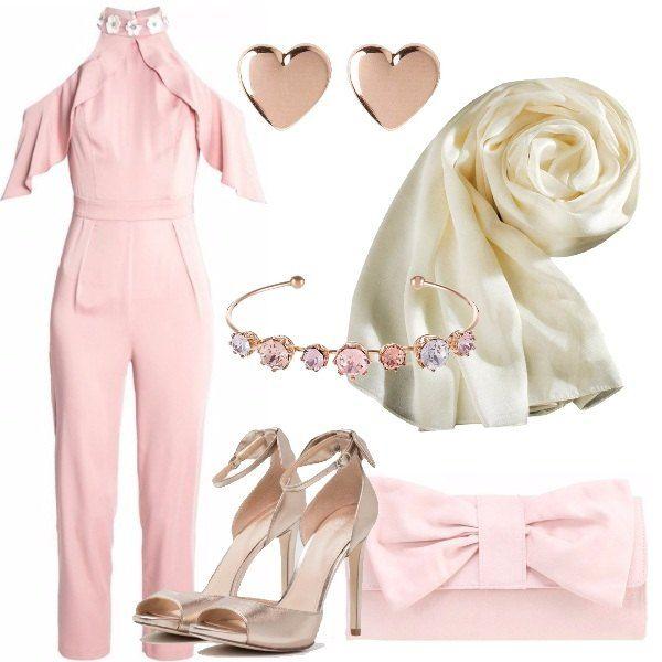 Per una cerimonia di giorno nei mesi primaverili ed estivi, ho scelto tuta jumpsuit pink, 7/8, con colletto alla coreana, scollatura dietro la schiena e spalle scoperte, abbinata a sandali beige Guess in pelle, a pochette pink e a splendido bracciale ed orecchini Ted Biker. Consiglio la stola, in raso beige in questo caso, data la particolarità delle maniche.