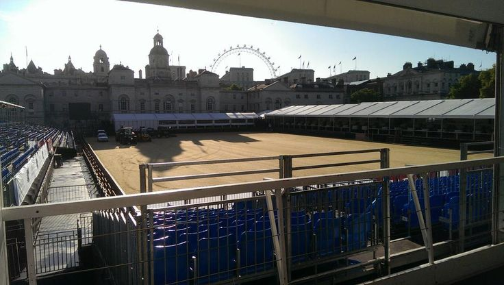 Good morning from Horse Guards Parade Ground #showjumping