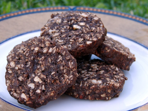 Chocolate, almond and oatmeal cookies! GREAT!