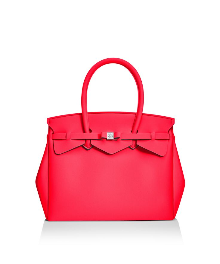 Our iconic tote just got bigger! The Miss 3/4 is the roomier version of our iconic tote. Perfect for women who never have enough room! Light, versatile and available in 30 colours.  Size  395 x 340 x 190 mm  510g  Made in Italy  Vegan Friendly  Made from Poly-Lycra Fabric   Raspberry
