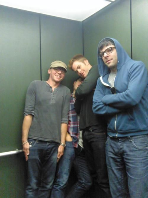 Simon Pegg, JJ Abrams, Chris Pine, and Zachary Quinto - Star Trek || These cute little geeks <3