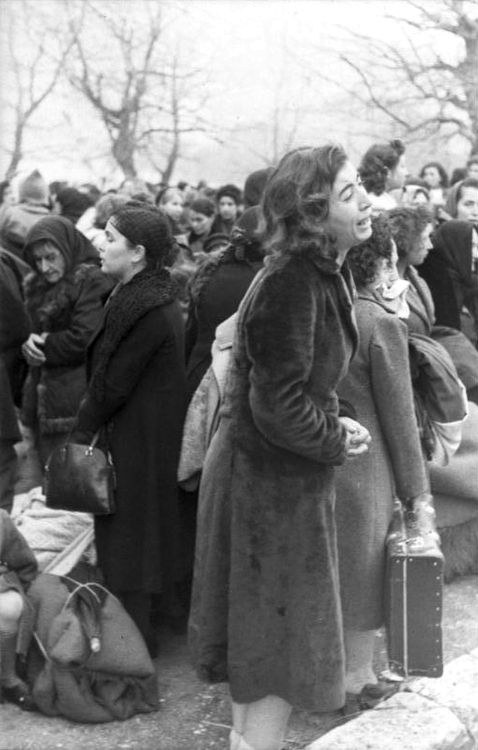 """""""The Crying Woman"""". A jew deported from Greece, identified as late as 2009, as Fani Haim. 87% of all jews in Greece perished. Against all odds Fani was the sole survivor of her whole family. In 2009 her grandchild Fani, named after her grandmother, recognized her in this photo. Fani Haim passed away in 2008. More on this story here http://www.kkjsm.org/archives/The%20Crying%20Woman.pdf"""