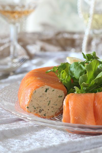 This light, fluffy smoked salmon mousse recipe is layered with smokey flavours. With a bite of capers and a zing of fresh citrus, it is simply delicious.