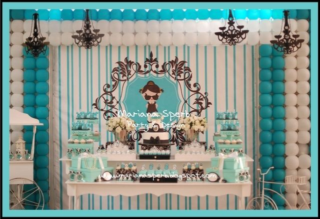Check out this Breakfast at Tiffany's dessert table... Incredible! #desserttable #tiffanys