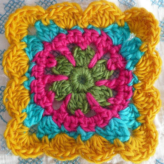 Floral granny. Free pattern by Lion Brand