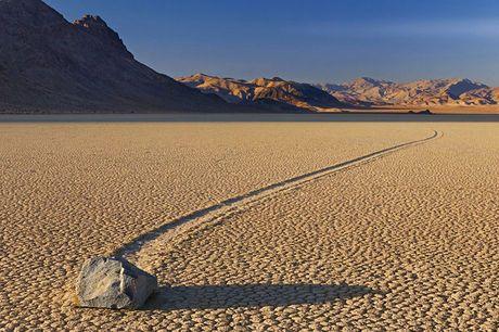 Mysterie van 'wandelende stenen' in Death Vally is eindelijk opgelost