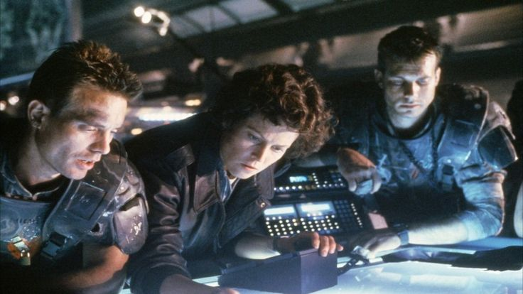 Michael Biehn, Sigourney Weaver and Bill Paxton in #Aliens (1986) #WeylandYutani