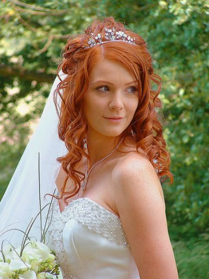 hair with tiara | Curly wedding hair with tiara pictures 1