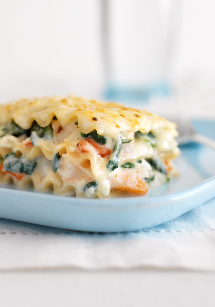 No-Fail Baked Seafood Lasagna- There is no doubt that this seafood and spinach lasagna will be loved by everyone. Prepare it for your family today.
