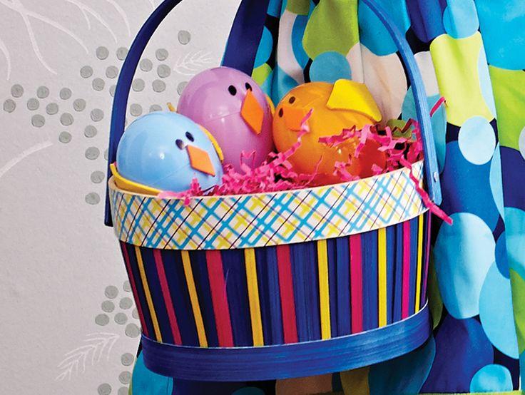 make your own #Easter egg chicks using plastic eggs, craft foam and markers #DIY #WalmartLiveBetter