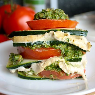 Having guests for dinner doesn't have to mean standing over a hot stove. Serve up some Raw Vegan Lasagna as your main course - it's totally unexpected, tastes fresh, and looks super fancy, but requires just a blender and some stacking! #rawfood #raw #healthyrecipes #lasagna #healthylasagna