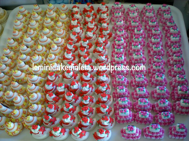 Minicake-calamite, in pasta di mais. Bomboniere matrimonio. www.leminicakedialeta.wordpress.com info: leminicakedialeta@gmail.com