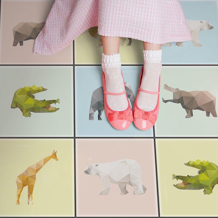 """Wundervolle Bodenfliesen im Kinderdesign? Kein Problem mit unseren #Fliesenaufklebern im Design """"Origami Tiere""""!"""