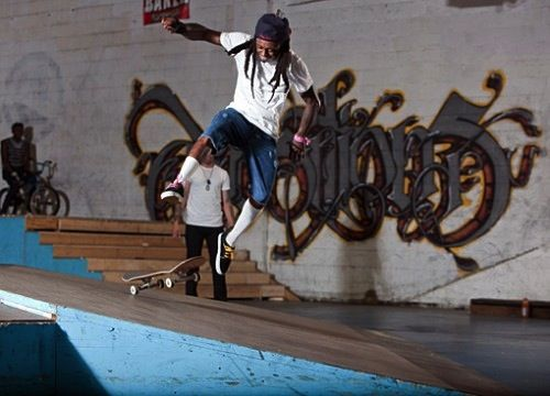 Lil' Wayne Teaches Meek Mill How To Skate | Video