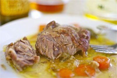 Carrilladas de cerdo a la cerveza / Pork cheeks cooked with beer #Recetas Hojiblanca  #Saludables https://www.facebook.com/Hojiblanca
