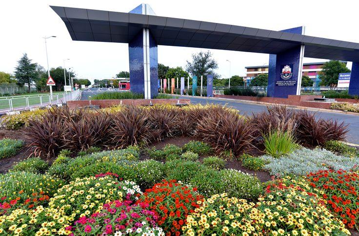 University of the Free State, Bloemfontein Campus, Main entrance (Photo: Charl Devenish)