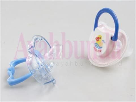 :: Sebaiknya Bayi Tidak Dkenalkan Empeng :: Gizi & Kesehatan :: Artikel :: Ayahbunda ::