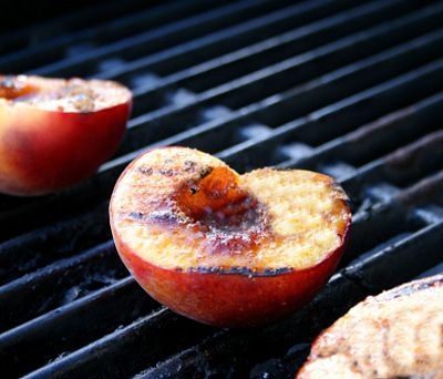10 Unexpected Foods That Taste Great Grilled - : Image: Getty Images http://www.fitbie.com/slideshow/10-healthy-foods-taste-great-grilled