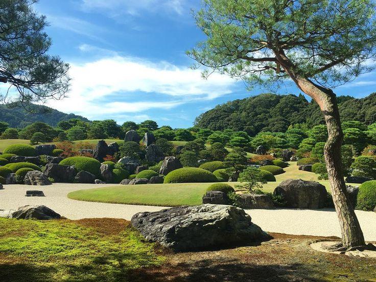 足立美術館。 やっぱりお庭がいいね〜✨京都のお庭とはまた違い、開放的で明るくて遠くの山まで借景しちゃうスケールの大きさ。