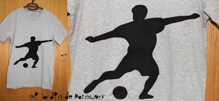 Camiseta con silueta de futbolista